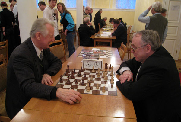 http://www.bs-chess.com/tourn/spb/25/vuzy10/13.jpg